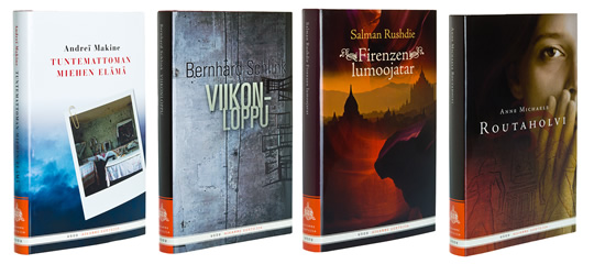A cover and a spread of the book Aikamme kertojia.