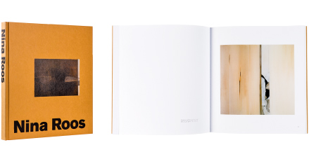 A cover and a spread of the book Nina Roos.