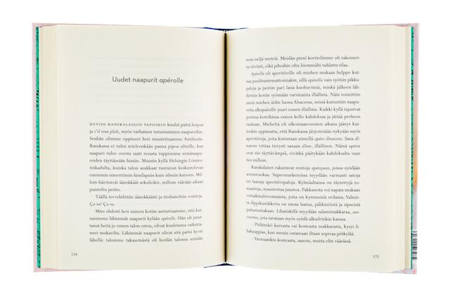 A cover and a spread of the book Maman finlandaise - Poskisuukkoja ja perhe-elämää Etelä-Ranskassa.
