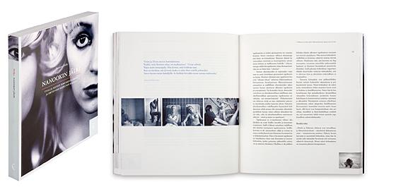 Ett omslag och en öppning av boken Nanookin jälki.
