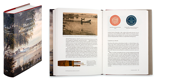 Ett omslag och en öppning av boken Iisalmen ruhtinaskunta. Modernin projekti sukuverkostojen periferiassa.