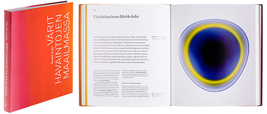 A cover and a spread of the book Värit havaintojen maailmassa.