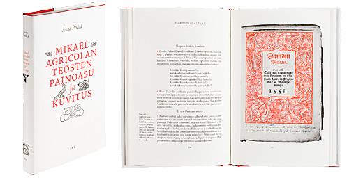 Kansi ja aukeama kirjasta Mikael Agricolan teosten painoasu ja kuvitus.