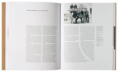 Ett omslag och en öppning av boken Minä Manu Hartman kuvanveistäjä.