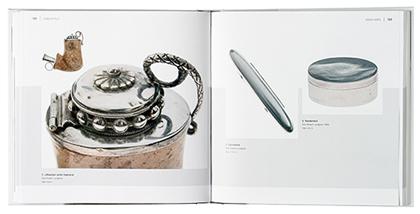 Ett omslag och en öppning av boken Hohda hopea.