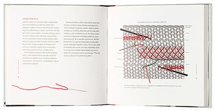 Ett omslag och en öppning av boken Sukkasillaan.