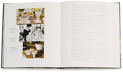 A cover and a spread of the book Ruukun runoutta ja materiaalin mystiikkaa.