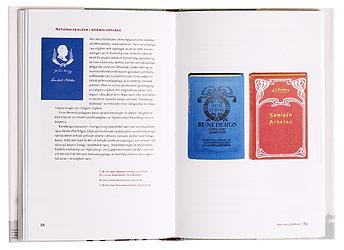 Ett omslag och en öppning av boken Idyll och hjältemod.